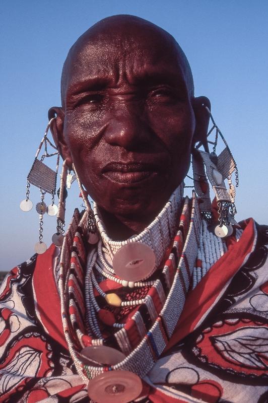 maasai cultural photography - portrait of a Maasai